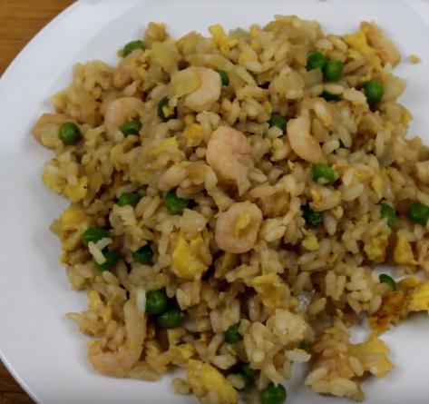 """Crunchyroll #85: Salt Bae's Fried Rice from """"Black Clover"""""""