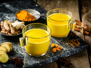 Kurkumový teplý nápoj: Zlaté mléko