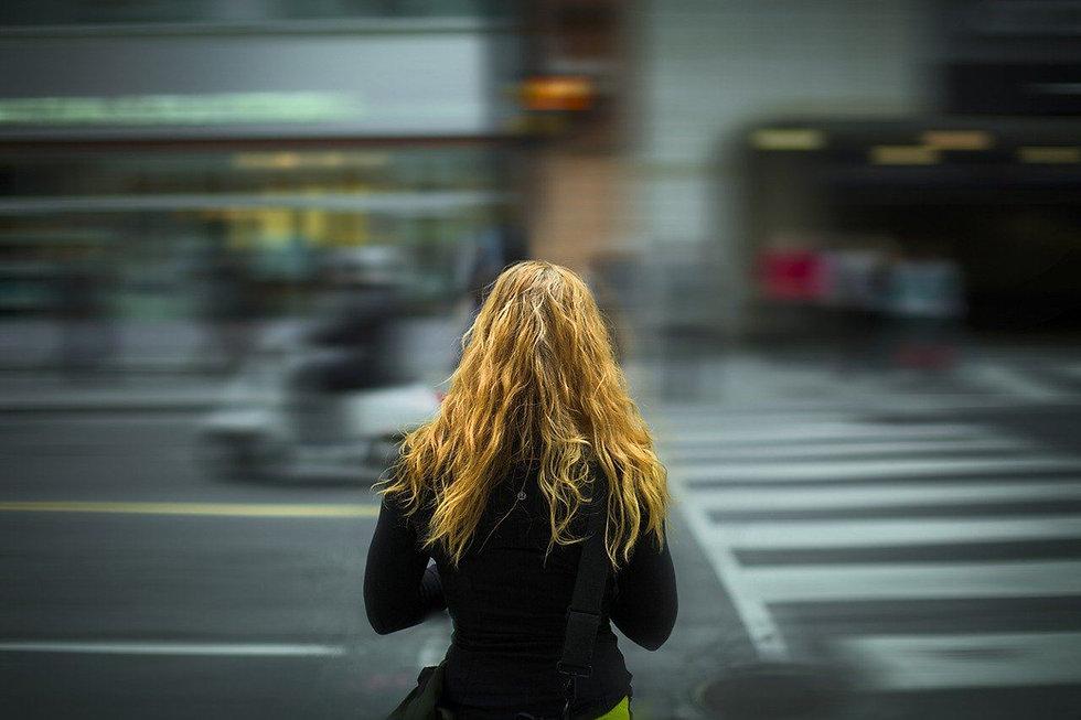 Affiche 2 - femme citadine.jpg