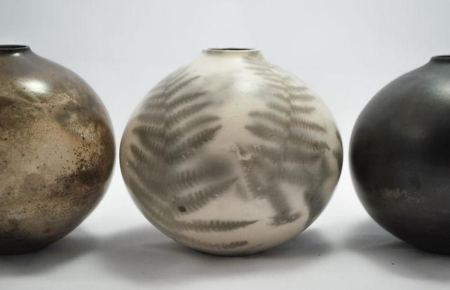 Smokefired ceramic vessels