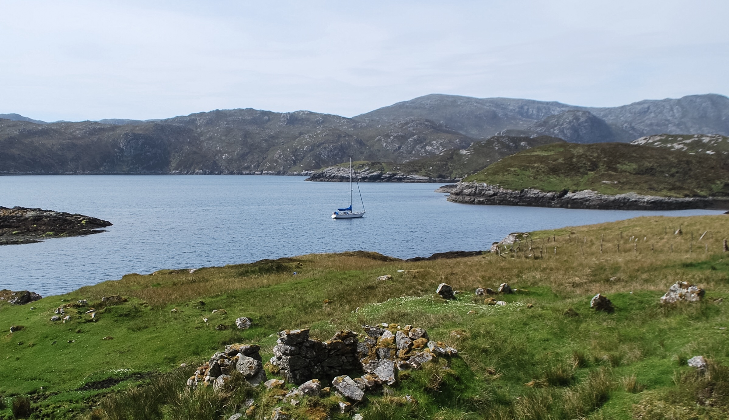 Temptress anchored on Harris