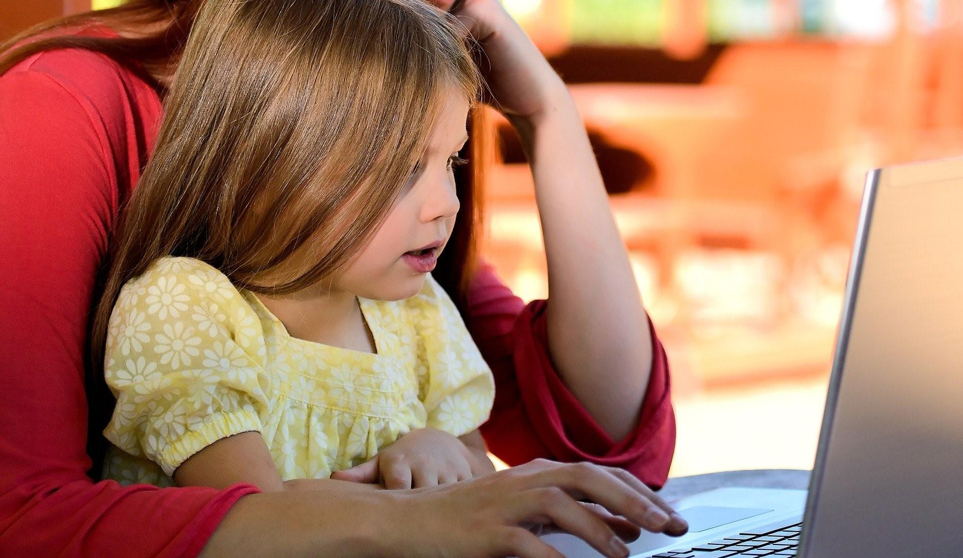 Kind_Computer_geschnitten