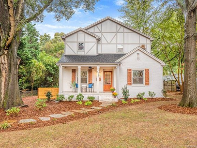 NEW Listing in HOT Oakhurst!