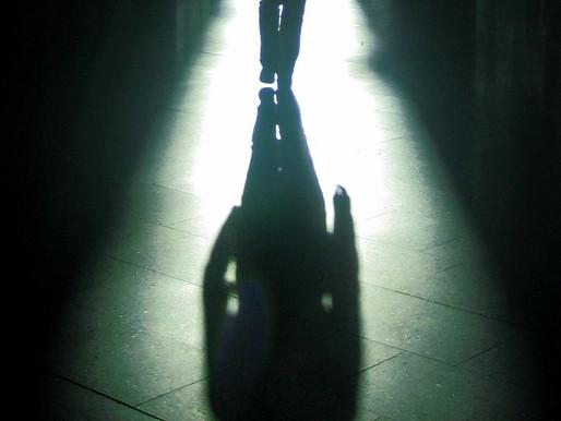 Na sua Sombra está a verdade.