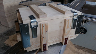 Деревянный ящик армейского типа