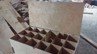 Фанерный ящик-шкаф с ячейками