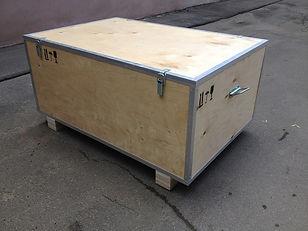 Ящик на алюминиефых уголках