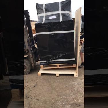 Упаковка грузов в паллетные борты