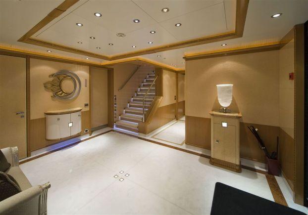 Ollrich Yachts - Engine Deck
