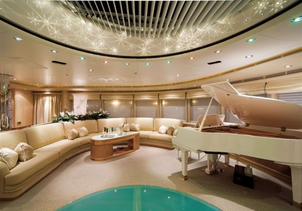 Ollrich Yachts - Piano Room
