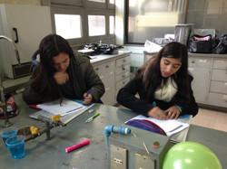 Alumnos (as) en los talleres de UCH