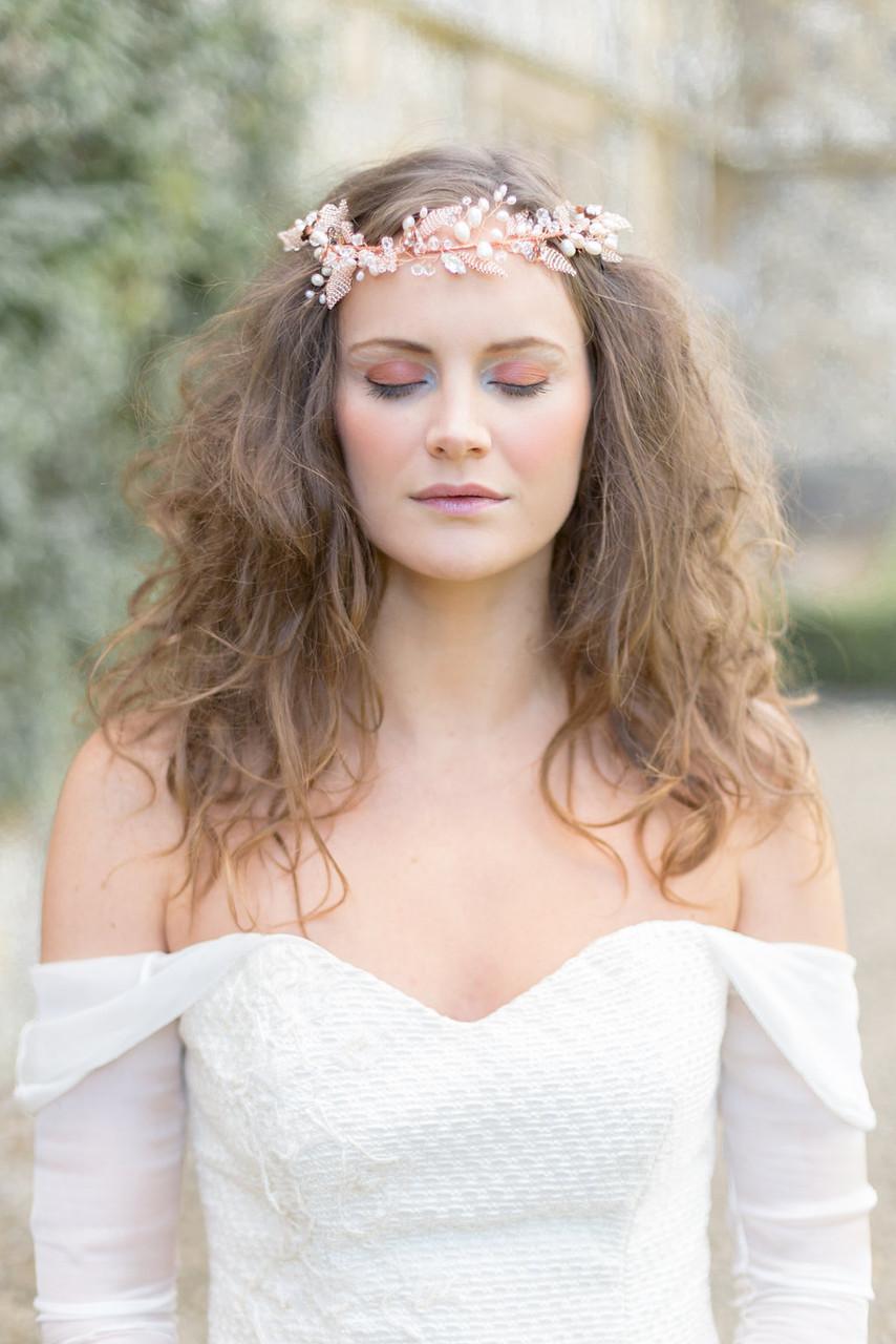 A loose hair bridal style.