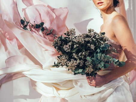 What is a free-spirited bride?