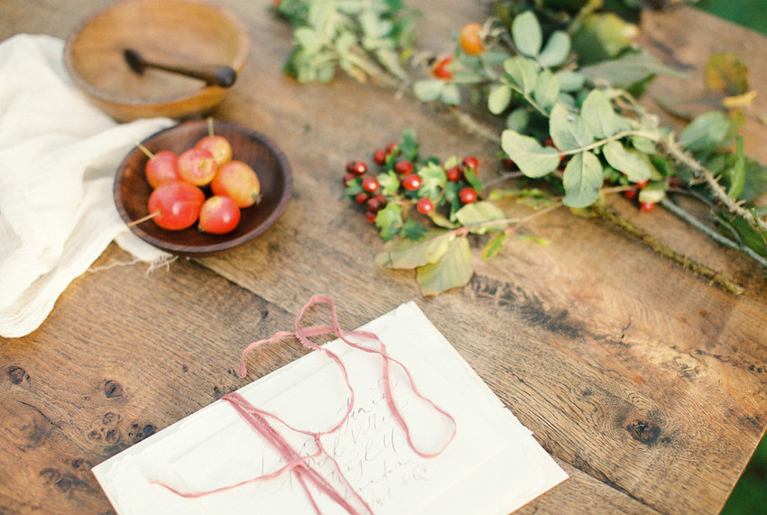 Wedding stationary with Autumn style