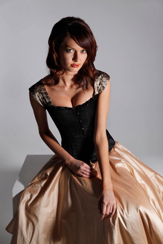 luxury plain black corset with romantic sleeves