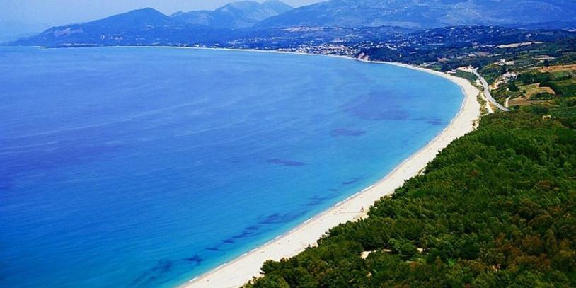 Monolithi-beach.jpg