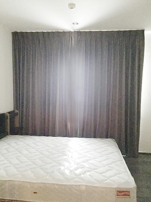 Roomdesign10 : ติดตั้งผ้าม่านทึบ ม่านโปร่ง ม่านปรับแสง
