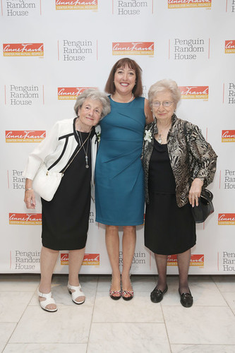 Linda Hillel (center) with Holocaust survivors Ruth Meador and Thea Rodriguez-Pereira