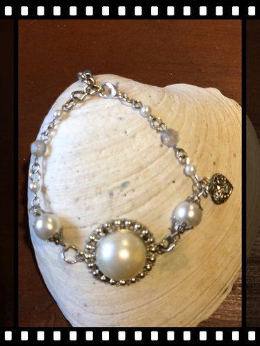 Cute Pearl Bracelet
