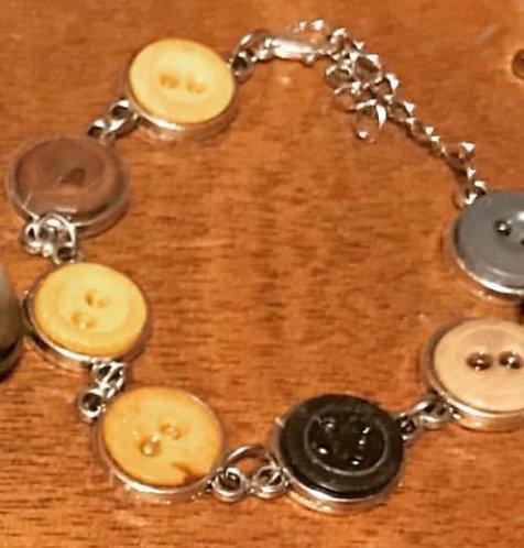 Moxie Style Vintage Button Bracelet