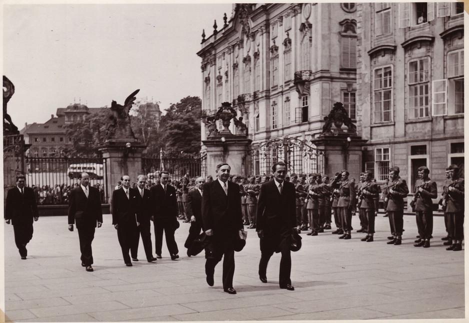 Israeli Delegation at Prague Castle