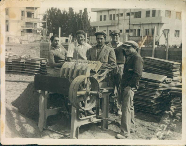 Zalman Working Construction
