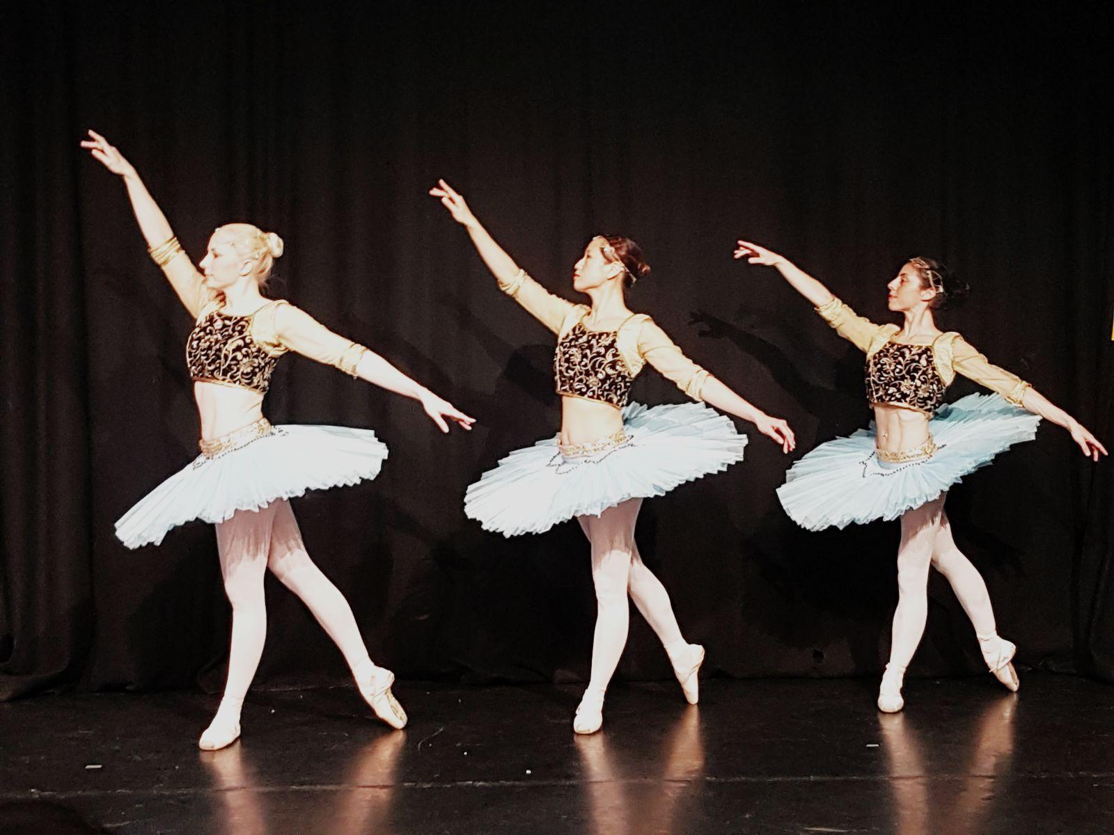Les corsaire ballet, pas de trois