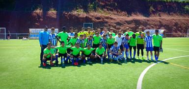 Photo de groupe lors d'un match avec une