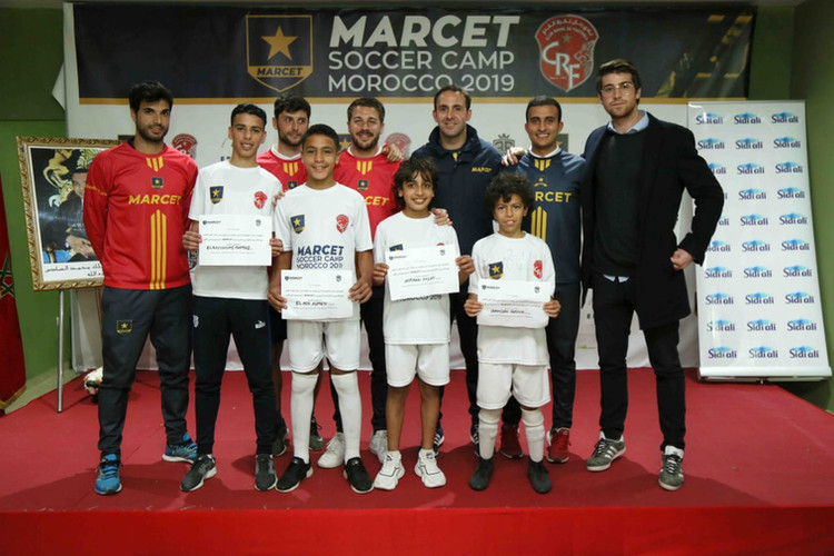 La photo des gagnants du Marcet Soccer camp, invité a l'academie à Barcelone pour des stages de haute performance