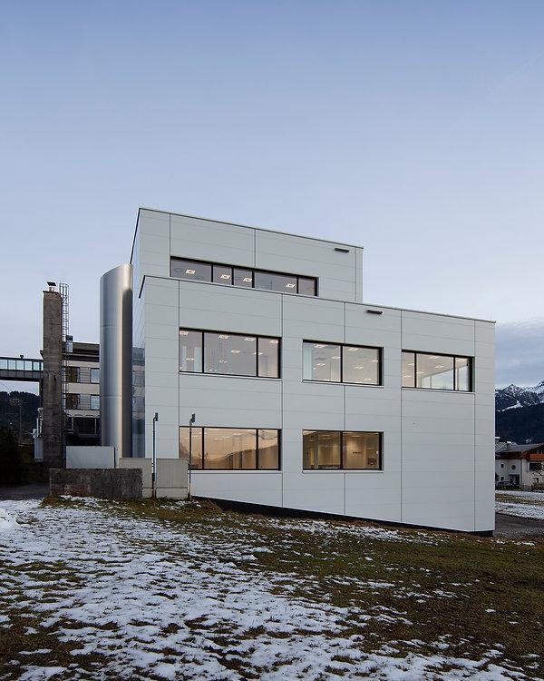 HVW_Architekten_Gebro_Pharma_003.jpg