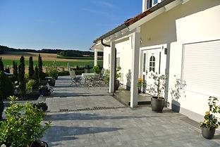 Terrasse Plattenbelag Abensberg Regensburg Stufen Granitpflaster