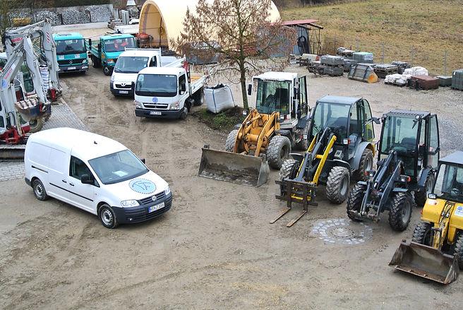 Lager Erdarbeiten Abbruch Maschinen Granitsteine Granitpflaster Betonpflaster Gartenbau Pflasterbau