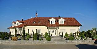 Pflasterarbeiten Abensberg Regensburg Kelheim Gartenmauern Bepflanzungen Erdarbeiten Gartenplanung Angebot