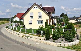 Natursteinmauer Gartenplan Angebot Bepflanzung fabian Tuscher Naturstein