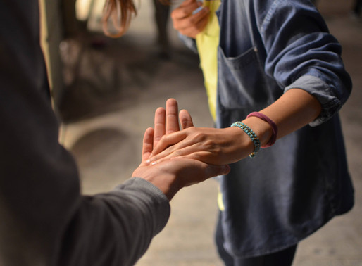 HOW TO EARN & INSTILL TRUST
