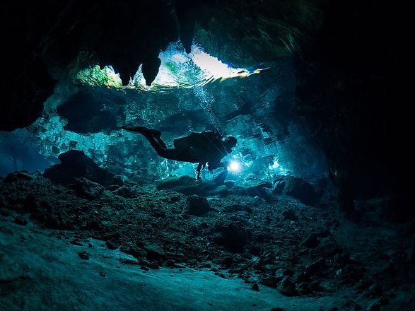 cave diving mexico.jpg