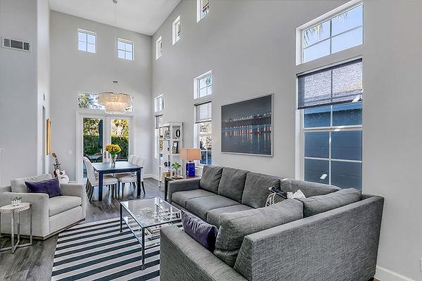05 Livingroom 1.jpg