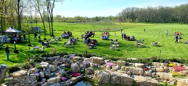 OUTDOOR DINING IN OHIO'S LAKE ERIE SHORES & ISLANDS