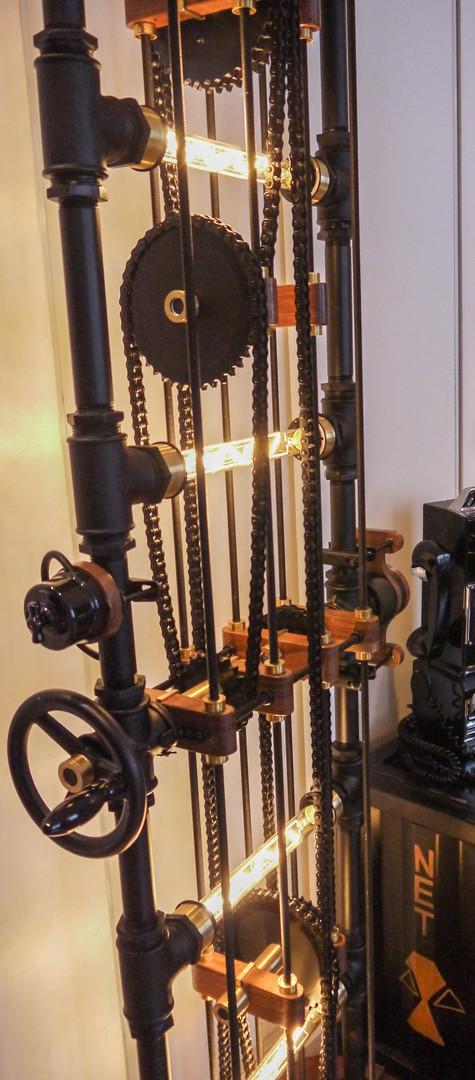 Lampe mécanique Fact-Ladder présentation