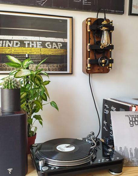 Lampe Fact-Cosy dans le coin musique
