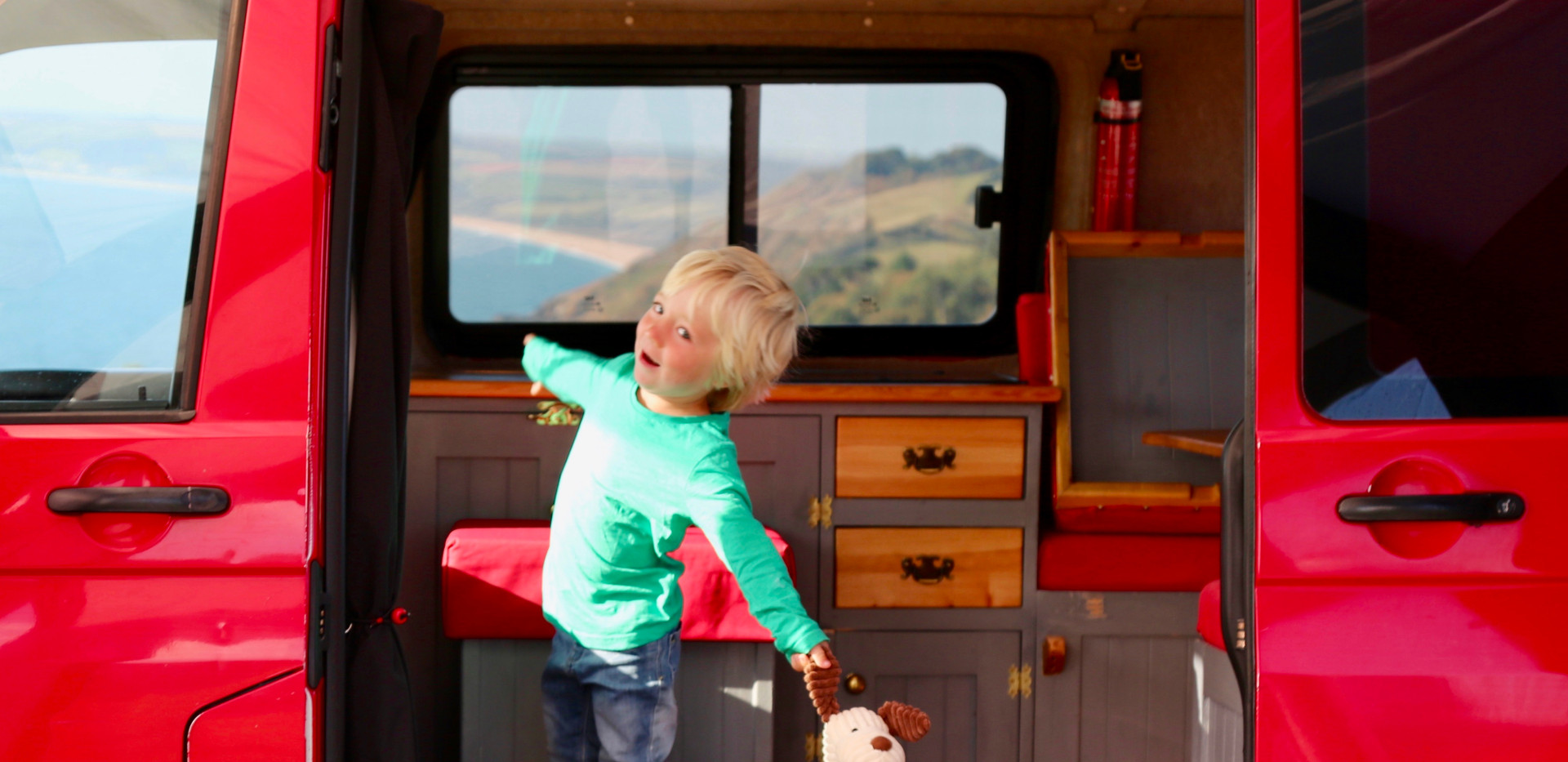 RED1 CHILD SLIDESHOW