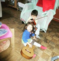 con instrumentos