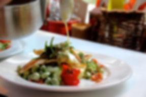 schol met zeekraal tuinbonen gemarineerde cherry tomaat beurre blanc met dragon