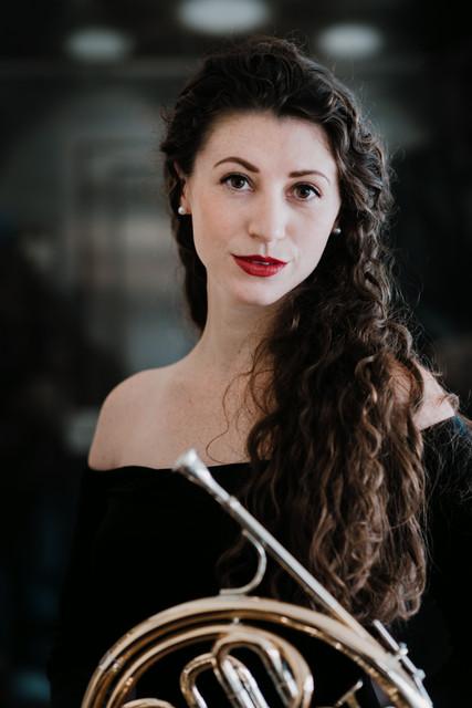 Amelia Shiels, horn