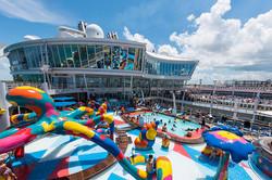 celebrity-vs-rci-pool-deck