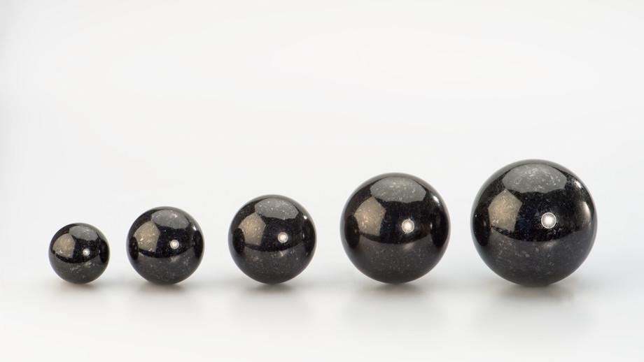 Kugeln, Abb. Indien Black
