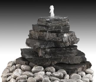 Modell Pyramiden Brunnen