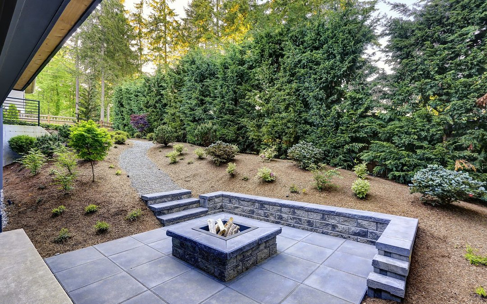 Stratford, CT Outdoor Firepit and Fireplaces