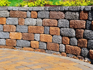 Stratford, CT Retaining Walls | Retaining Wall Design and Construction | Decorative Stone Walls