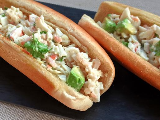Pain farci aux fruits de mer de type Lobster roll